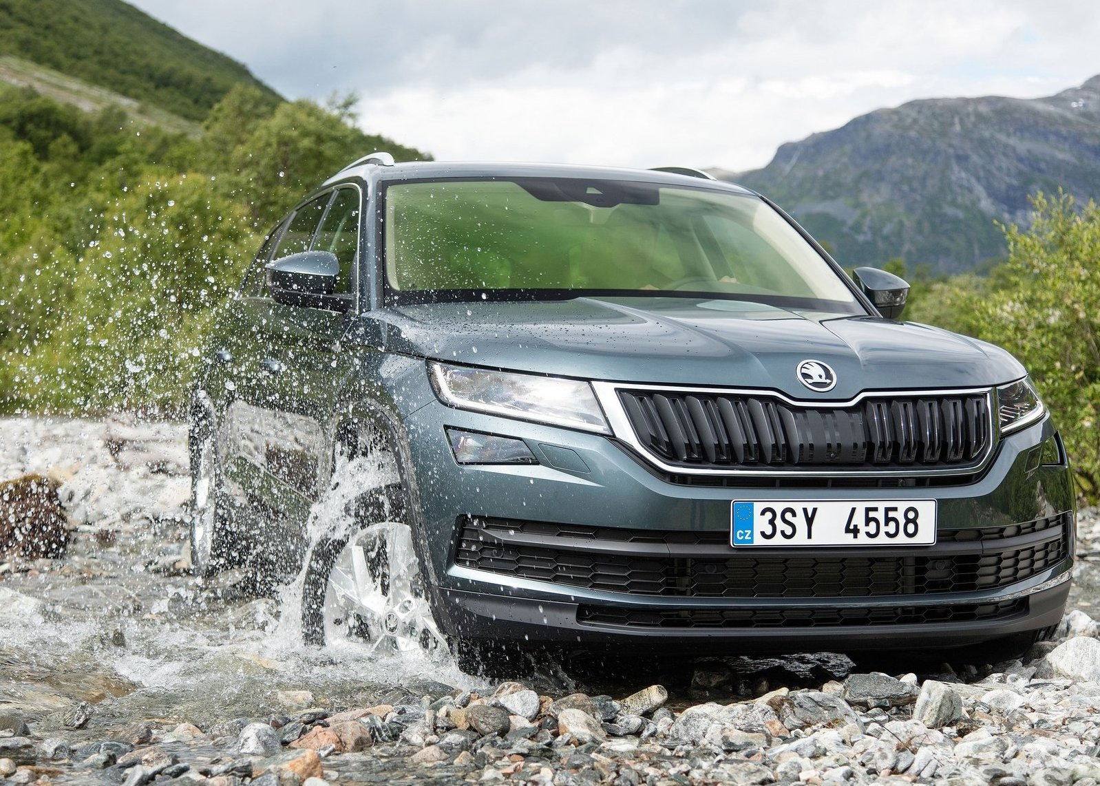 2017 skoda kodiaq suv dimensions new suv price. Black Bedroom Furniture Sets. Home Design Ideas