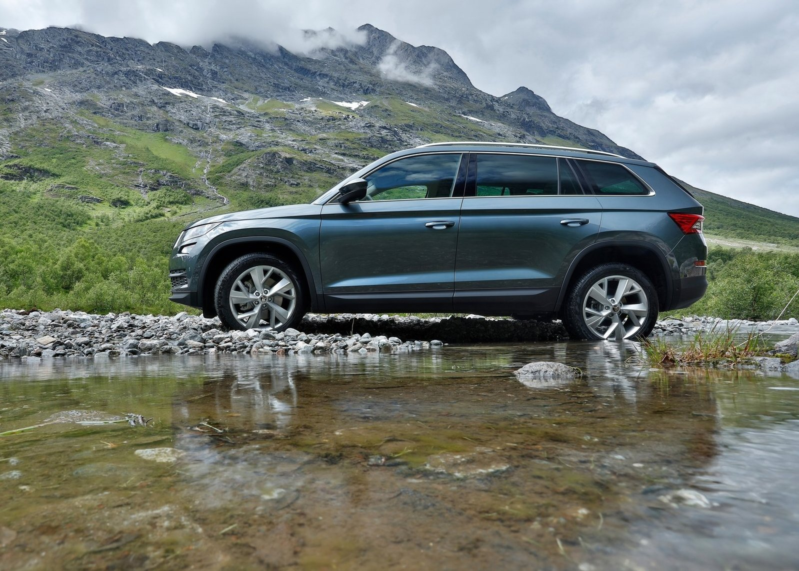 2017 skoda kodiaq suv review