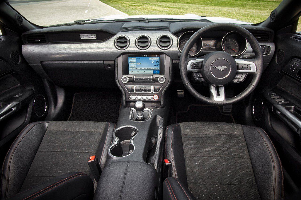 2019 Ford Mustang interior pictures