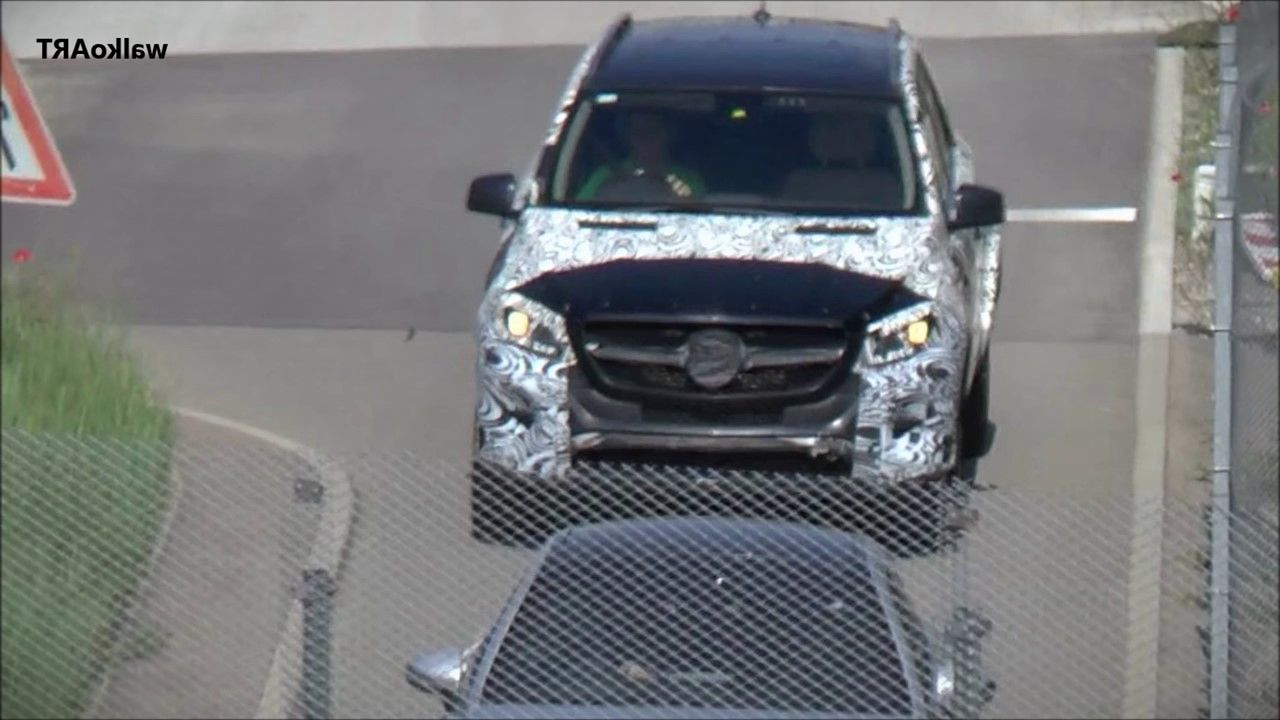 2019 Mercedes Benz GLE spy shot
