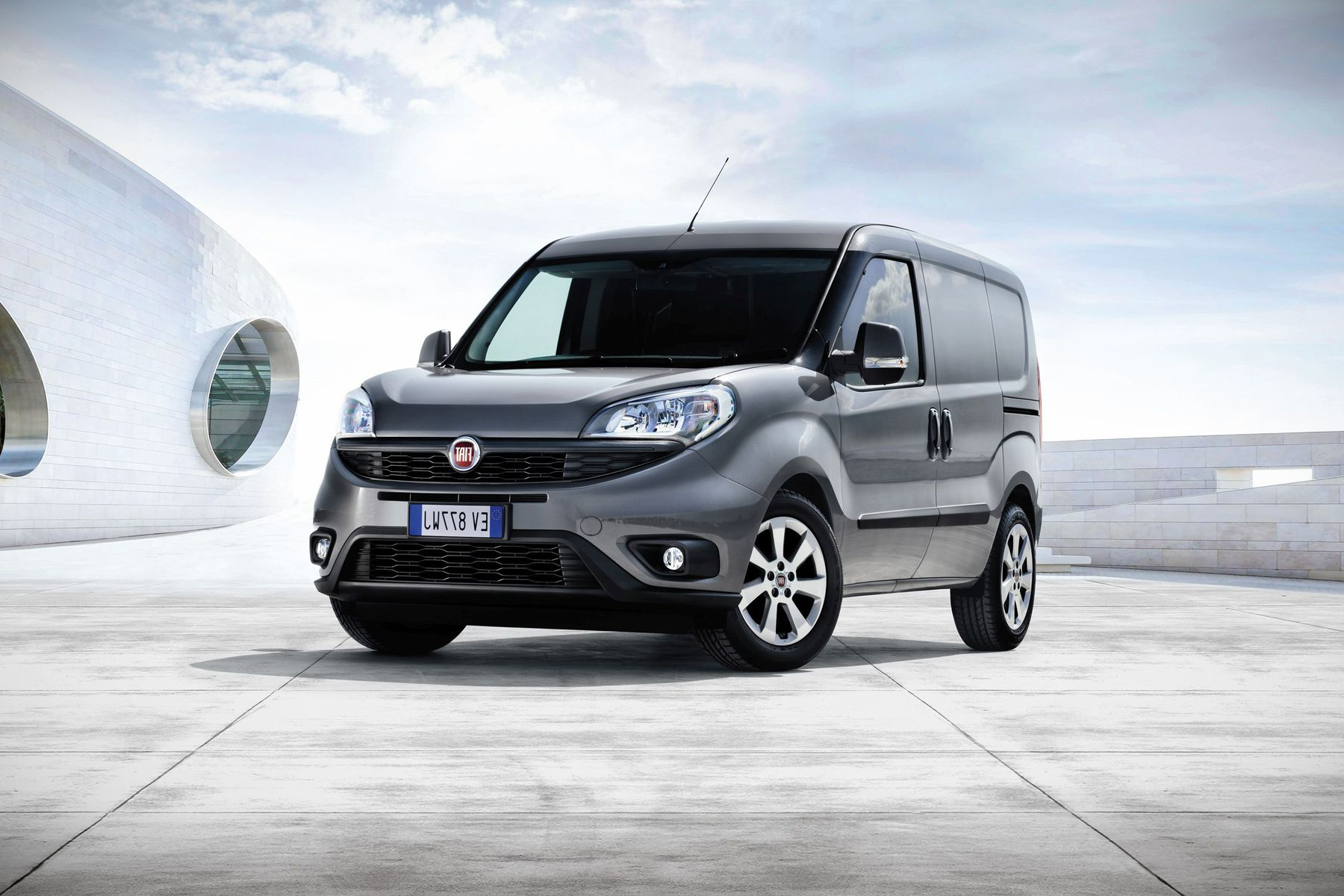 2017 fiat doblo van reviews soundproofing interior new suv price. Black Bedroom Furniture Sets. Home Design Ideas