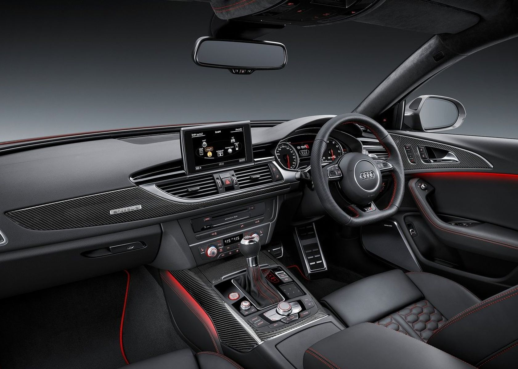 2018 Audi RS6 avant interior features