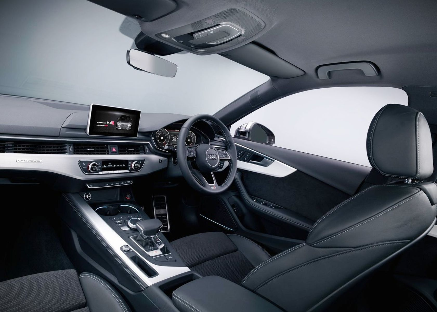 2018 Audi S4 interior photos