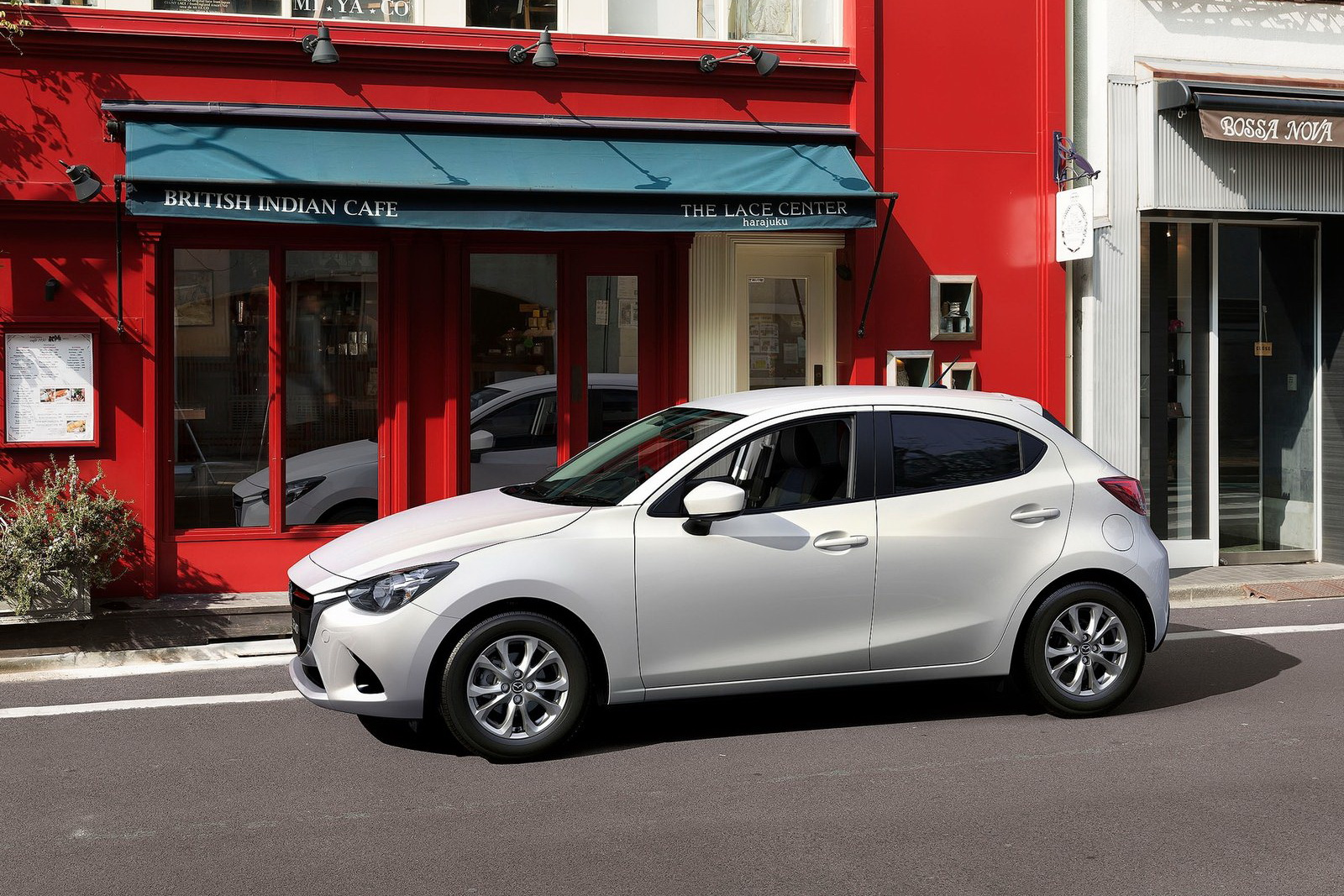 2018 mazda 2 paris release date new suv price new suv price. Black Bedroom Furniture Sets. Home Design Ideas
