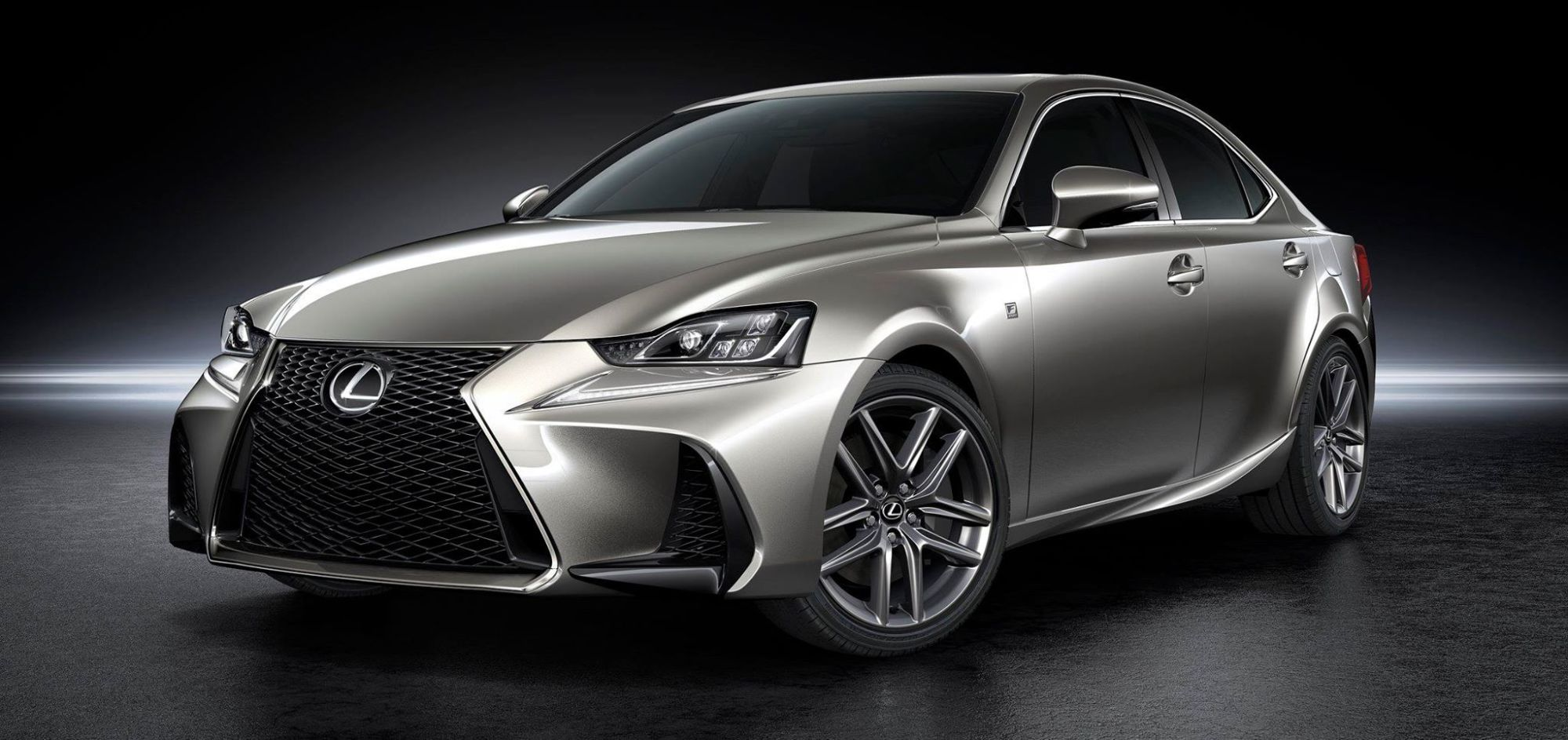 2018 lexus IS 300h advance reviews