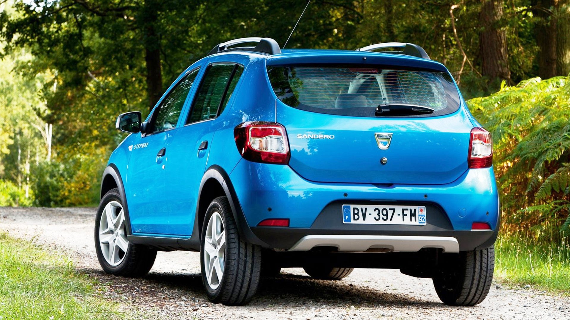 2018 dacia sandero stepway changes new suv price. Black Bedroom Furniture Sets. Home Design Ideas