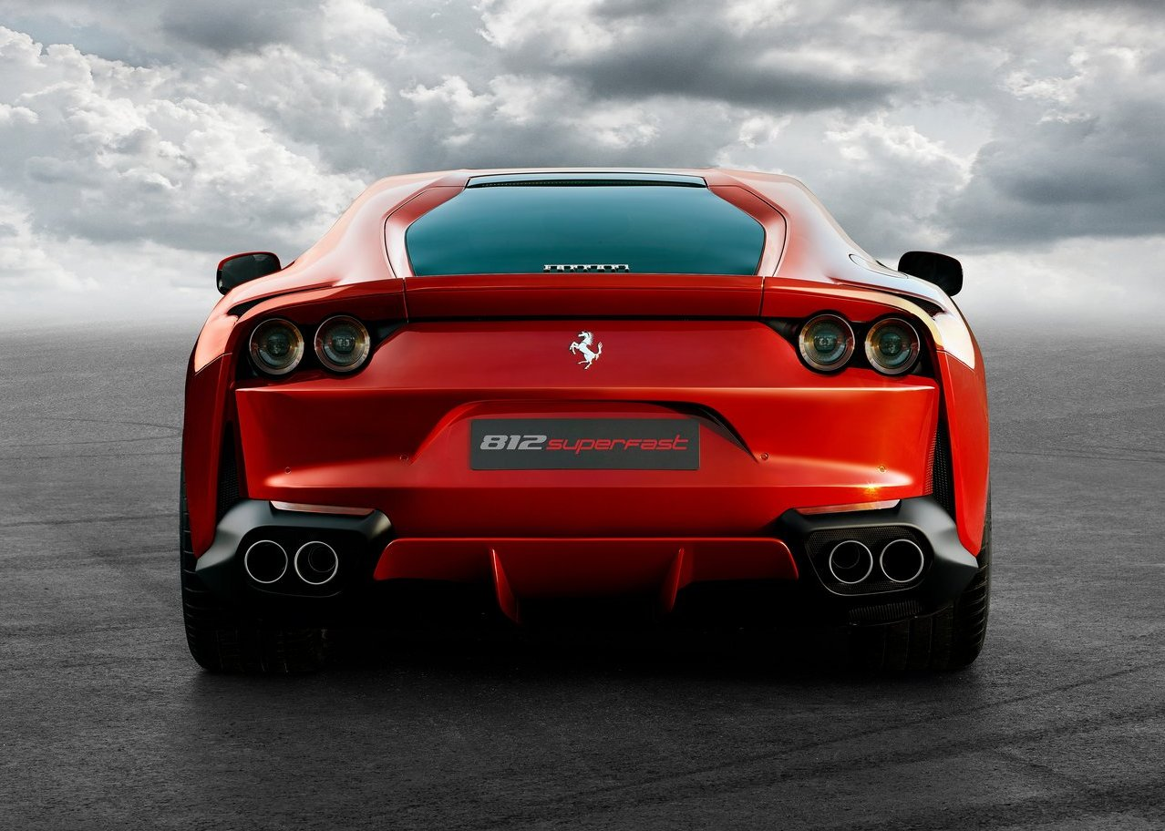 Ferrari 812 Superfast 4K Photos