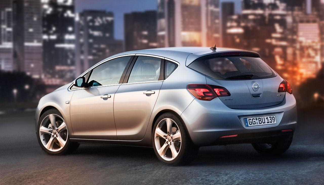 2018 Opel Astra GTC Reviews
