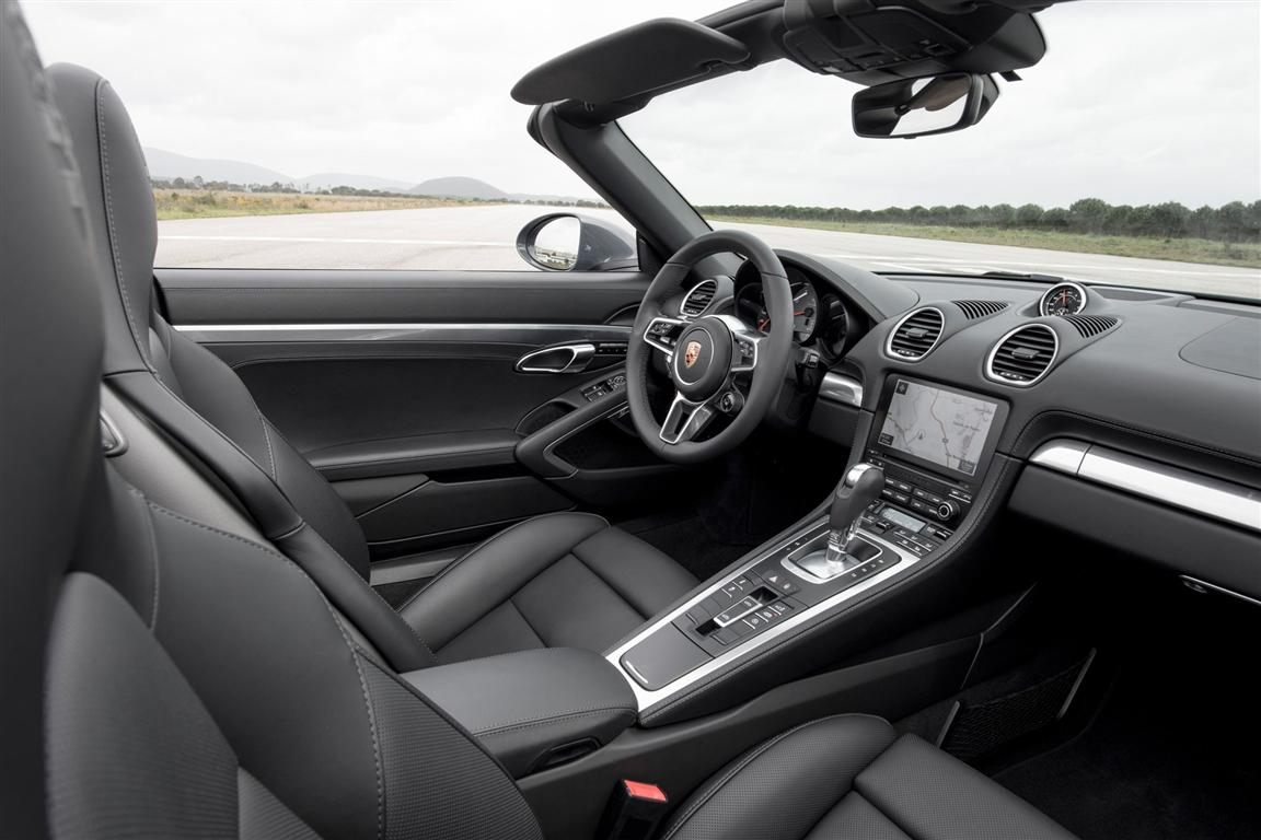 2018 Porsche 718 Boxster Interior Photos