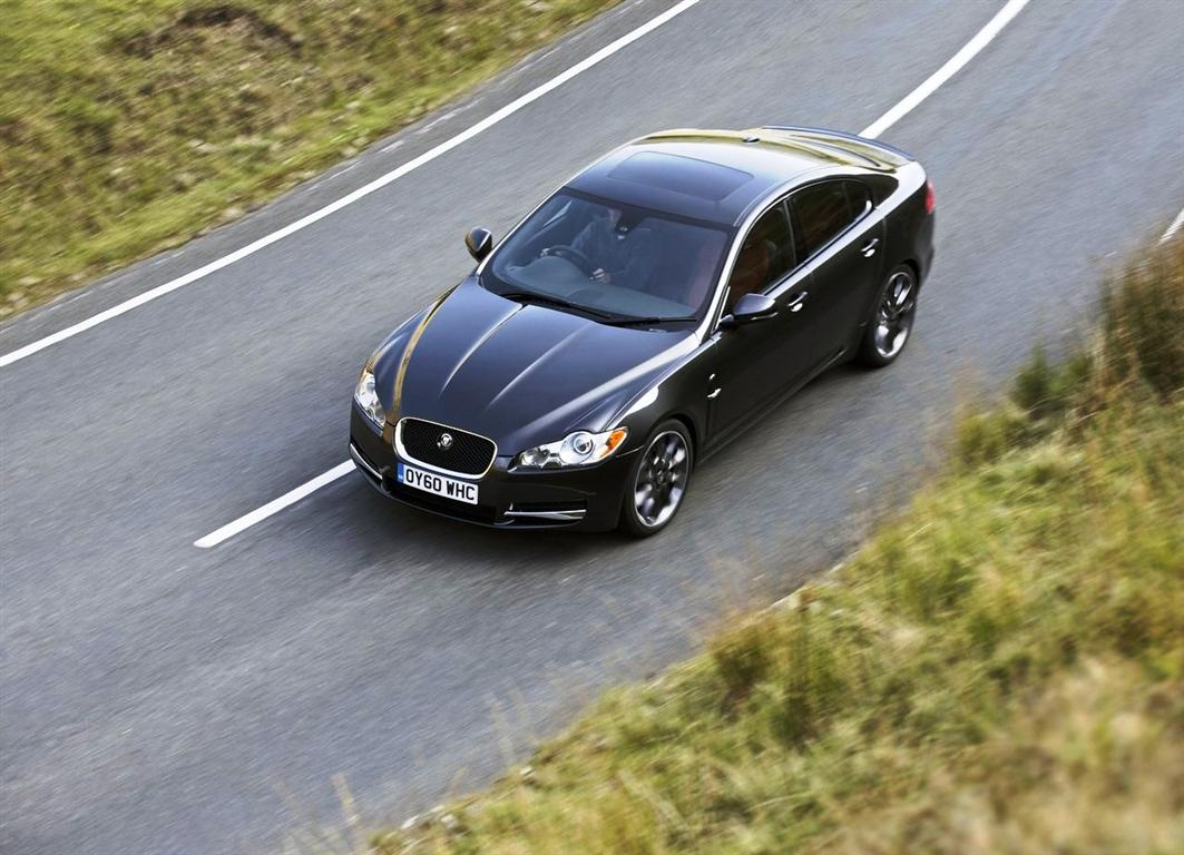 2019 Jaguar XF Black Jack 2.0 Engine Test