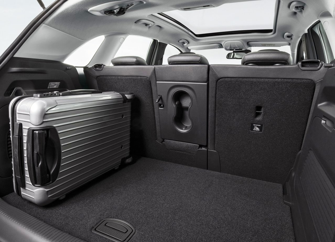 2018 Opel Crossland X Trunk Space