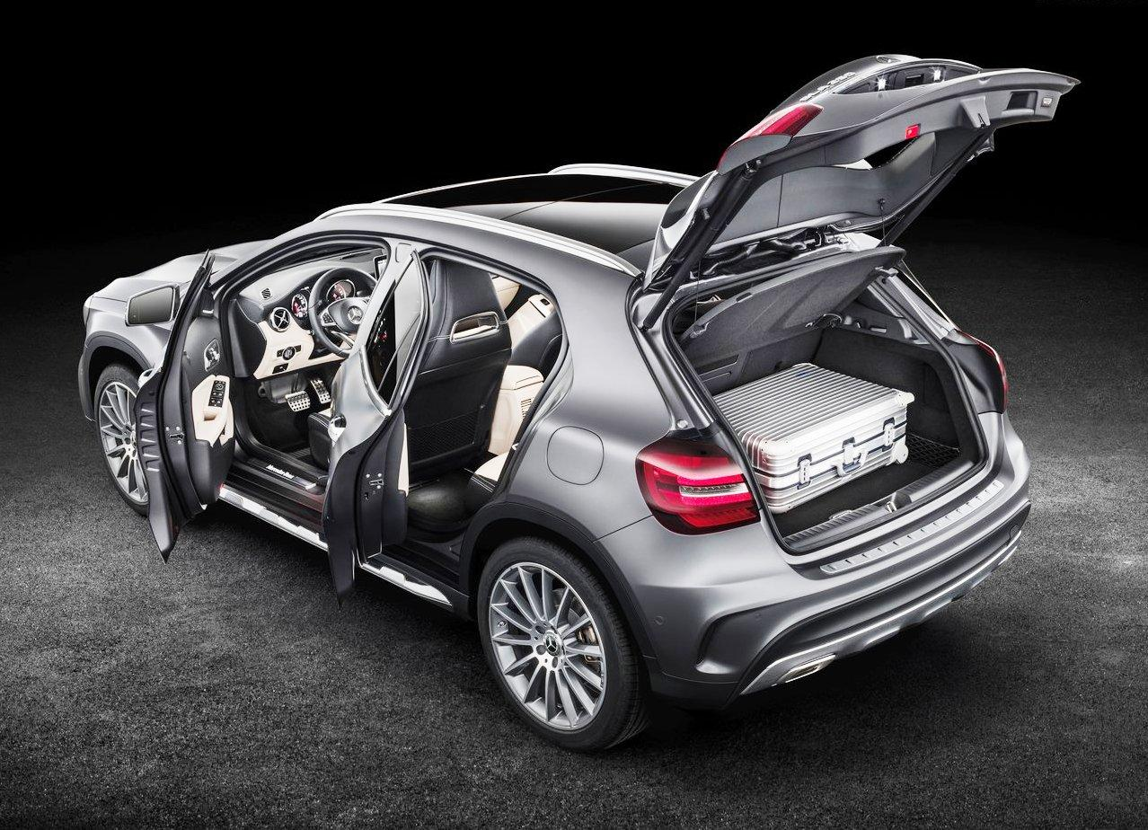 Mercedes GLA 2018 Trunk Space and Capacity
