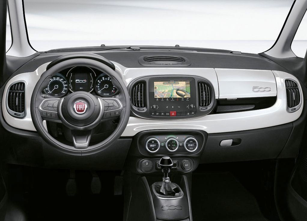 2019 Fiat 500L Dashboard Pictures
