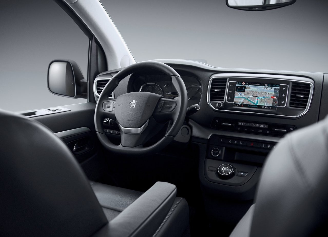 Peugeot Traveller 2018 Dashboard and Infotaiment Specs