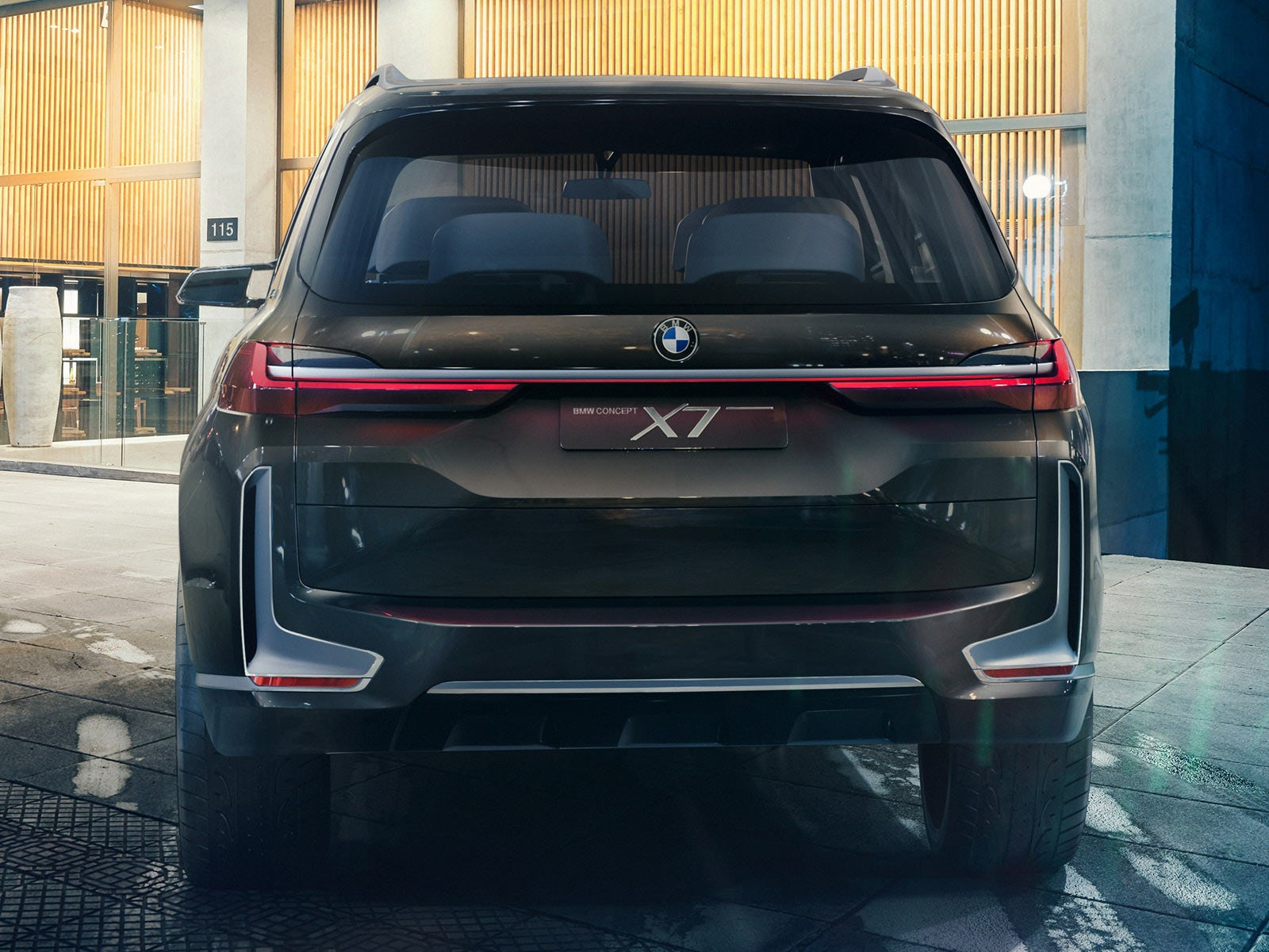2018 BMW X7 Rear Angle Pictures Style Large SUVS