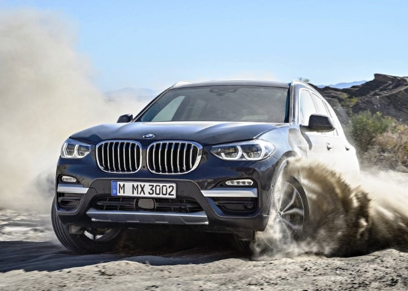 2019 BMW X3 AWD Reviews on The desert