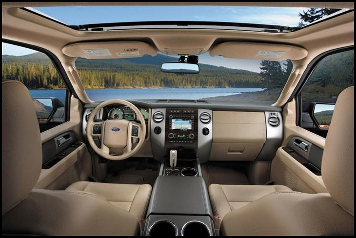 2019 Chevy Tahoe interior With Dashboard Optimized by Apple Carplay