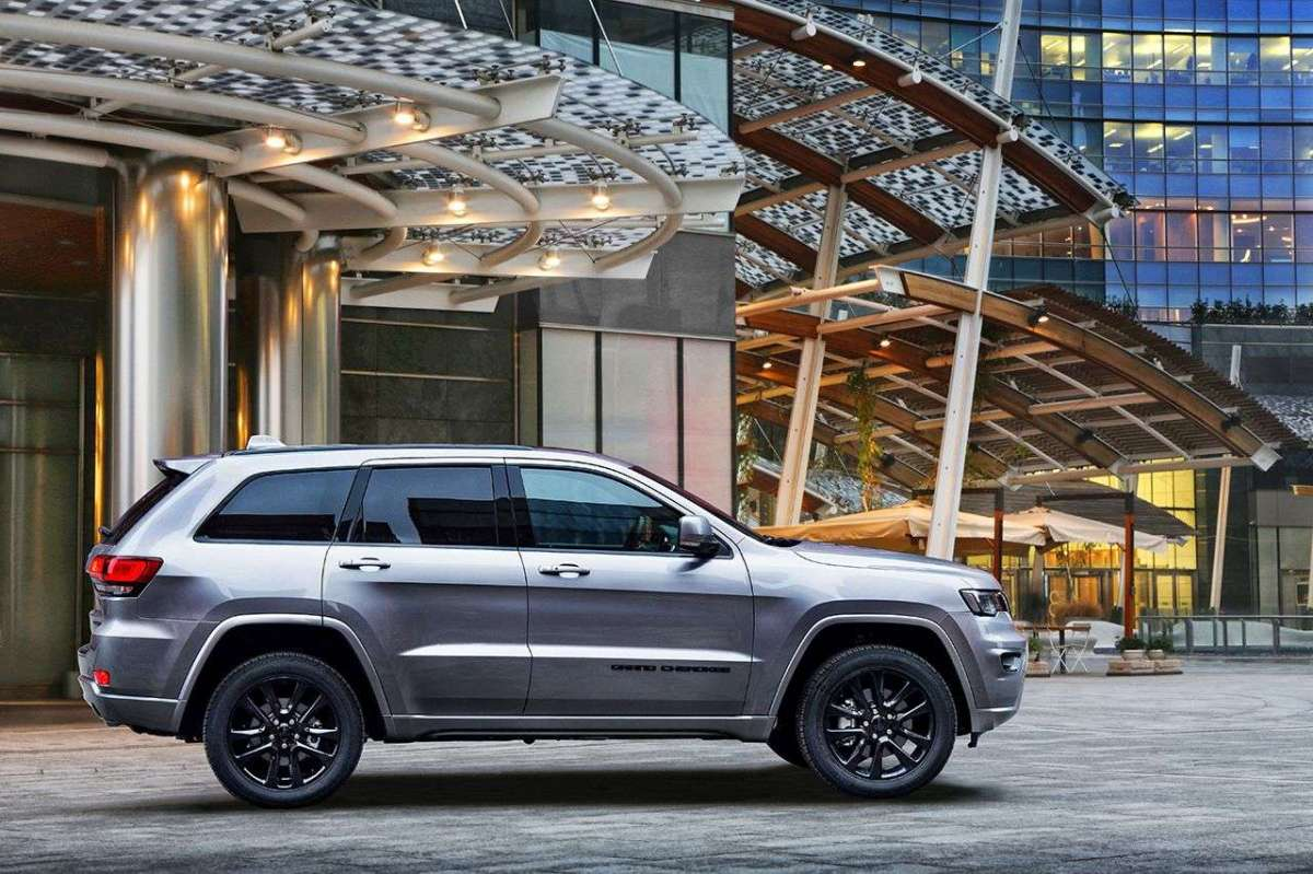 2019 JEEP GRAND CHEROKEE NIGHT EAGLE