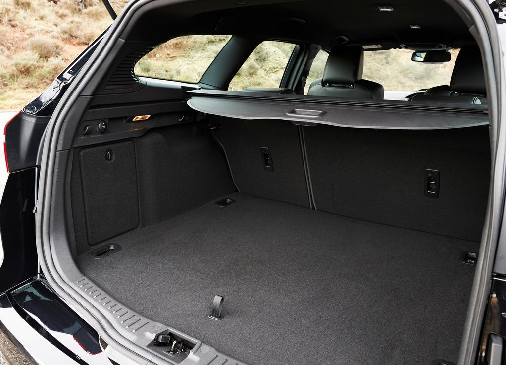 Ford Focus 2019 Trunk Space
