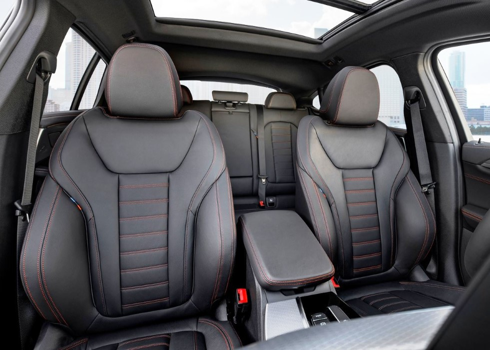 2019 BMW X4 Hybrid Interior Capacity
