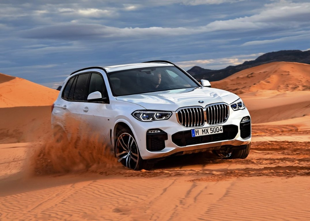 2020 BMW X5 M50d AWD Performance & MPG
