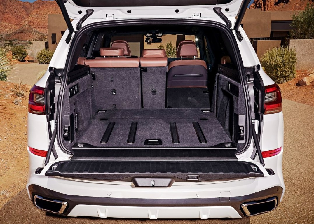 2020 BMW X5 M50d Trunk Capacity