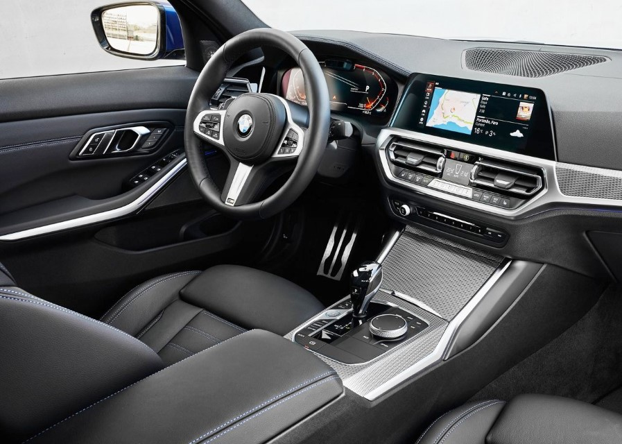 2020 BMW 330i M Sport Interior & Features