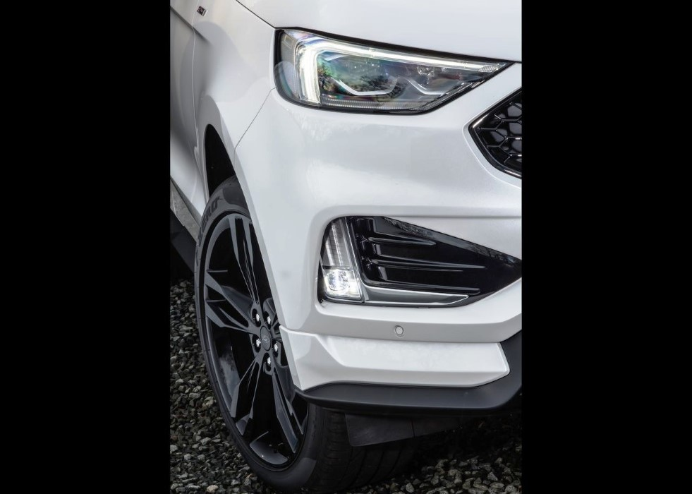 2020 Ford Edge Titanium New LED and Fog lamp