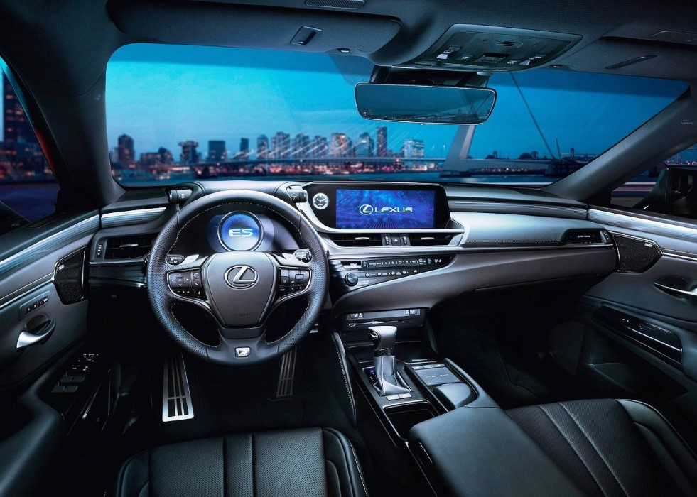 2020 Lexus ES 300h Interior Features