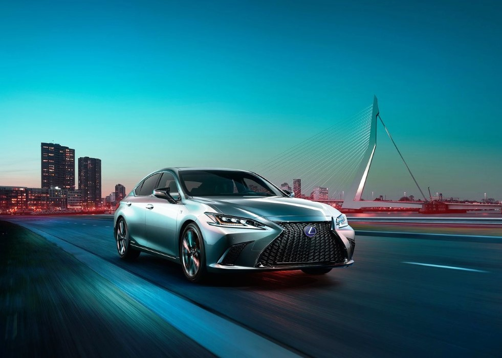 2020 Lexus ES 300h Release Date and Price