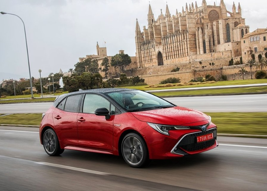 2020 Toyota Corolla Hybrid Redesign & Changes