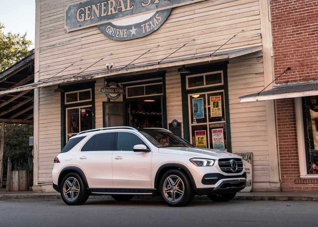2020 Mercedes GLE 300d Dimensions & Volume