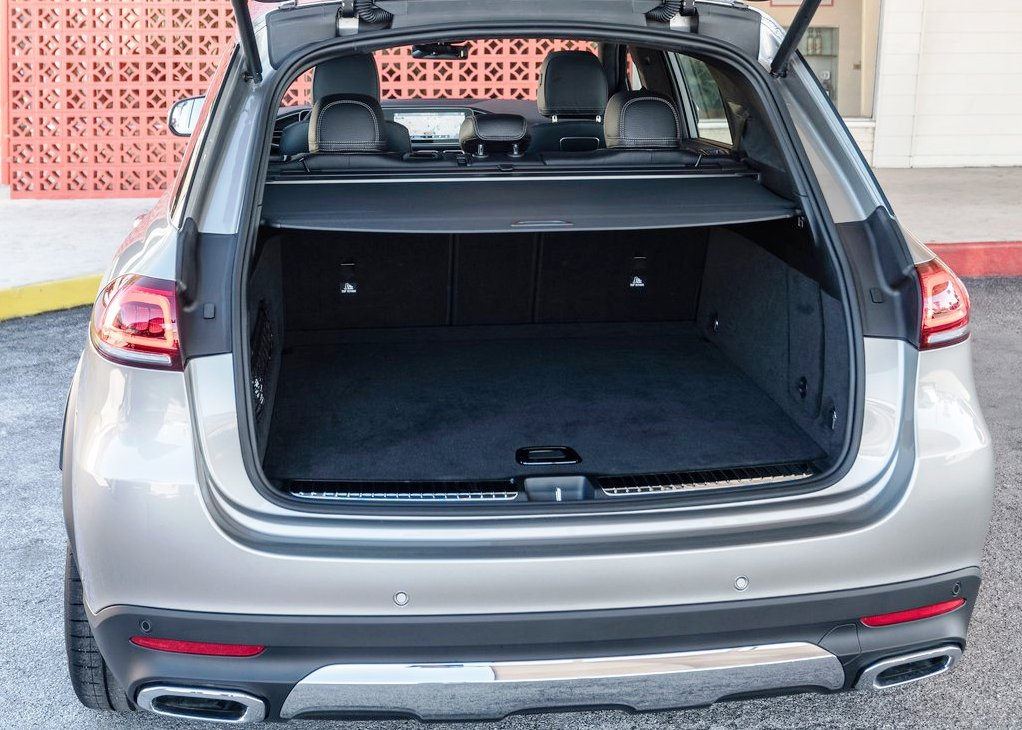 2020 Mercedes GLE 300d Trunk Capacity