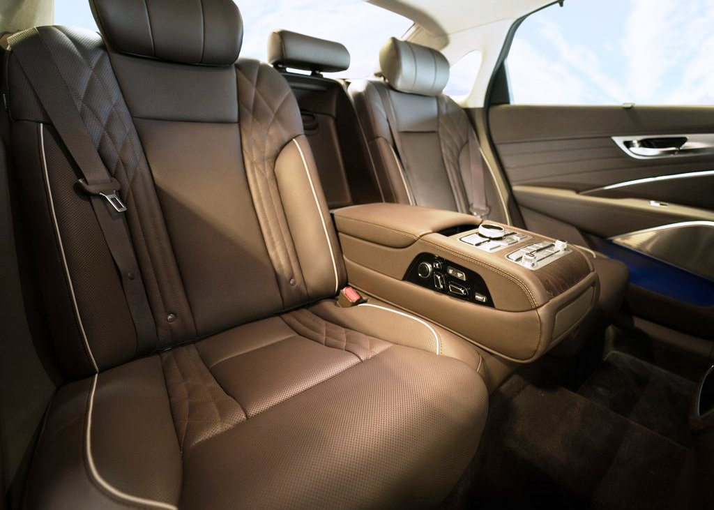 2021 Kia K900 Interior With Luxury Seat and Leather
